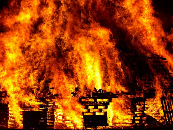 noworoczne ogniska zakazane