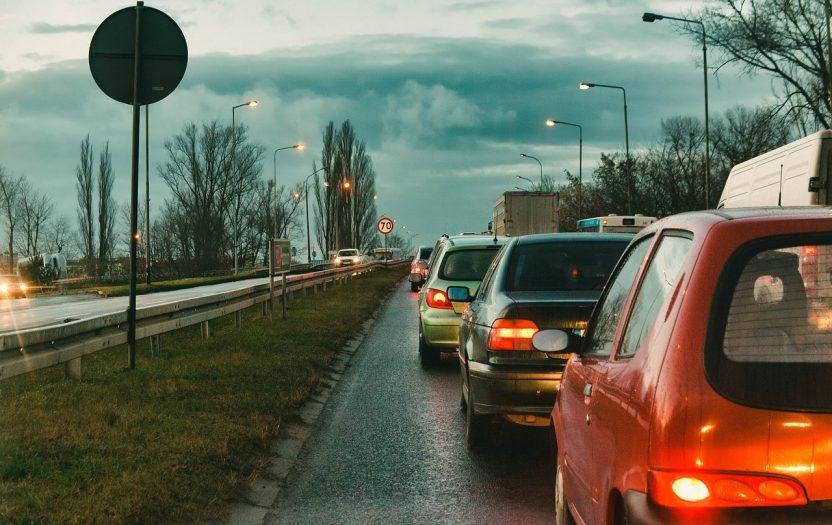 jak najszybciej poruszać się w korkach na niderlandzkich drogach