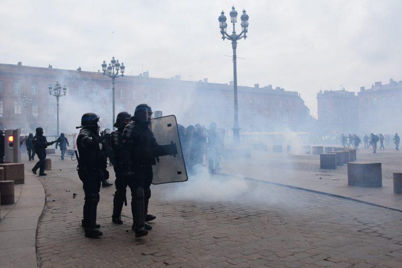 policja nie odpowie za agresję