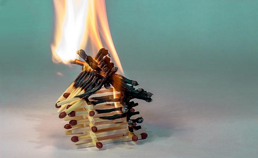 ogromny pożar w Hadze