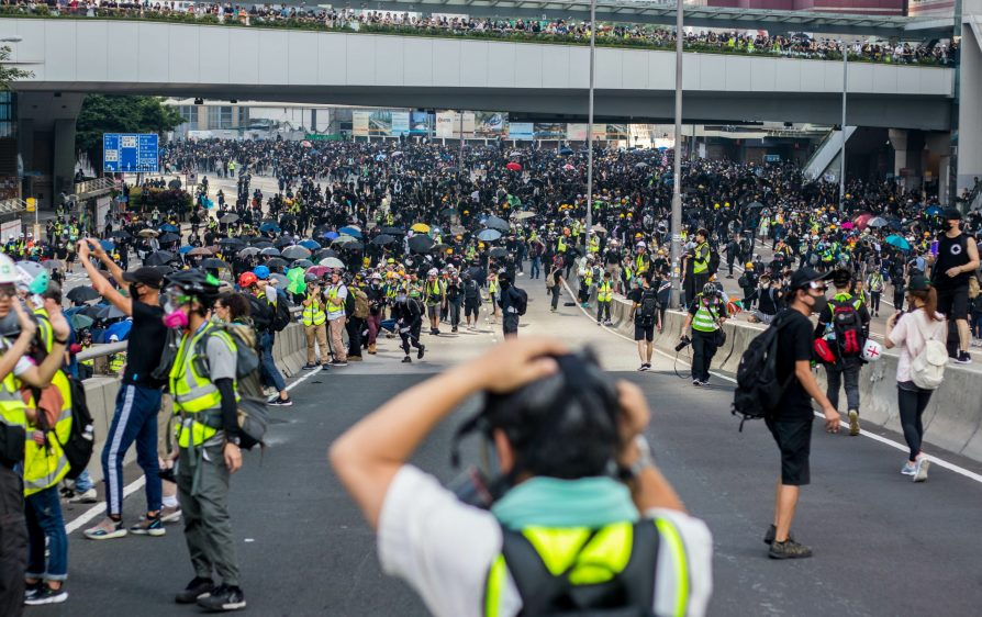 kim są protestujący