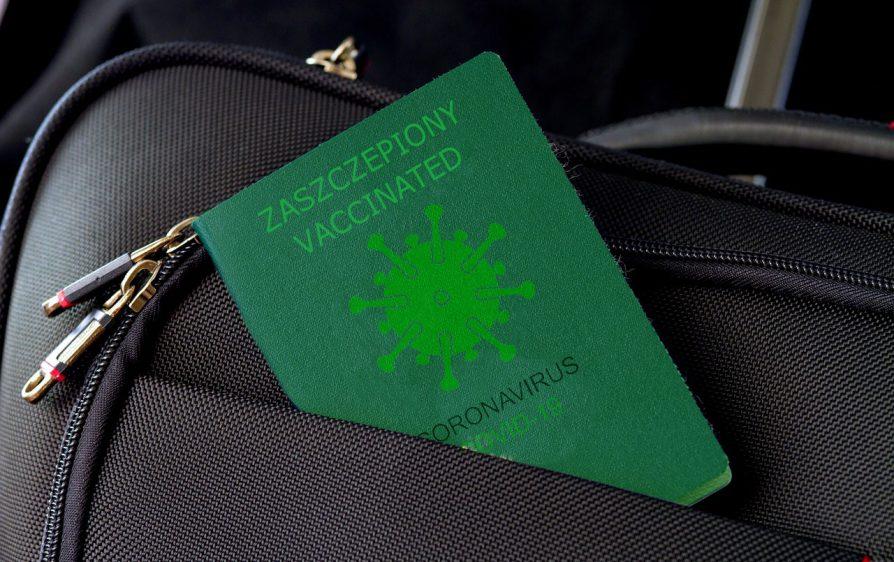 Paszport koronowy zaakceptowany przez Parlament Europejski