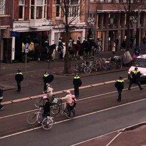 Amsterdam - antyrządowe protesty