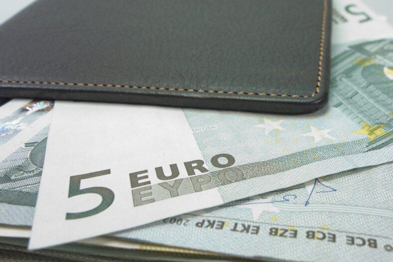 wzrost płacy minimalnej w Holandii