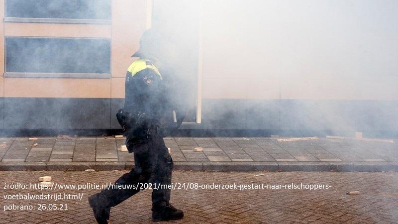 Kibice atakują ratowników walczących o życie mężczyzny