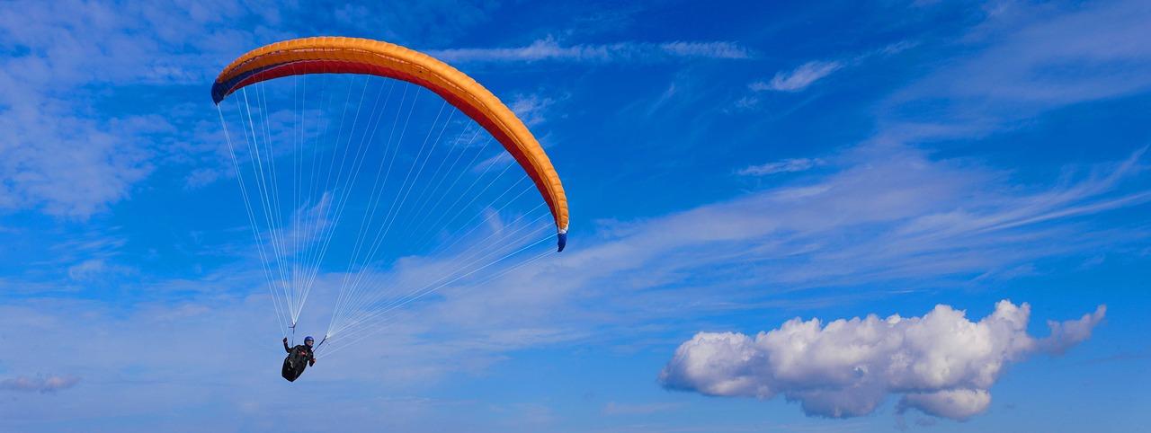 samolot przewożący spadochroniarzy rozbija się koło A50