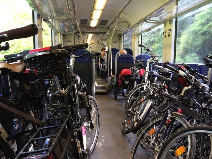Holenderska kolej uderza w rowerzystów